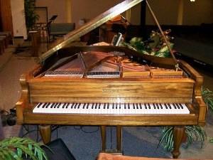 Pianos antiguos. La realidad de los pianos antiguos y como venderlos