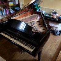 Piano de cola K. Kawai GS-40