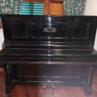 Piano Schiedmayer en muy buen estado